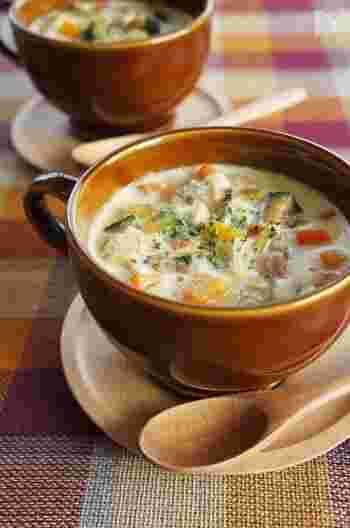 甘みの強いかぼちゃの煮物はどうも苦手、という方は、こちらのレシピはいかがですか?にんじんや、ベーコンも入って縁担ぎもばっちり!寒い季節にぴったりのほくほく美味しいメニューです。