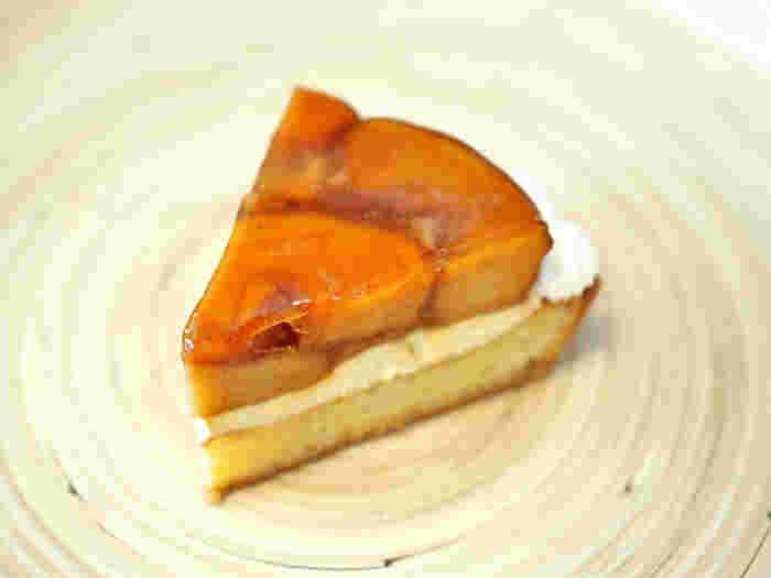 クリオロは、フランス人パティシエによって作られたスイーツブランドです。タルトタタンは、しっかりとリンゴの食感や甘酸っぱさが伝わるようにカットされており、さっぱりといただけます。クリームやさくっとしたタルト生地も相性ばっちりです。