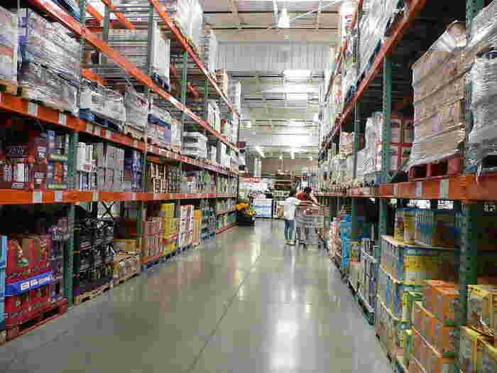 一品が大容量で大きいので、お家に帰るとストック場所に困ることも!コストコに行くときは、冷蔵庫やパントリーを空けてから行くことをおすすめします。賞味期限が心配な食品はレパートリーや保存方法を考えながら購入すると良いでしょう。