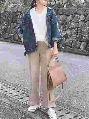 ワイドパンツの着こなしが難しく、履きこなせたらどんなにかっこいいのだろう…そう思ったことはありませんか? そこで今回は、ワイドパンツを大人っぽく上品に着こなしているお洒落女性のワイドパンツコーデをご紹介します。