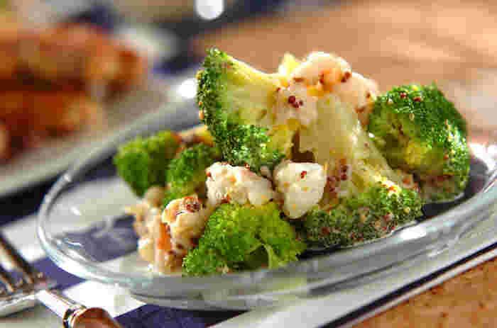 茹でたブロッコリーと白ワインで炒めたエビをドレッシングで和えるだけの、簡単レシピ。ドレッシングは粒マスタードとマヨネーズに加え、プレーンヨーグルトも混ぜているので、後味さっぱりで食べやすいです。