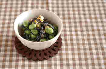 鮮やかな緑が印象的な枝豆は、ひじきに彩を添えるのにピッタリ。