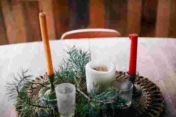 日本よりもキャンドル文化が浸透している、スウェーデンでは、日頃からインテリアにもキャンドルを使う家庭も多く、クリスマスともなれば更に多くのキャンドルを目にする機会が増えます。ゆらゆらと温かみのあるオレンジの灯火が美しく、クリスマス時期の街を包みます。