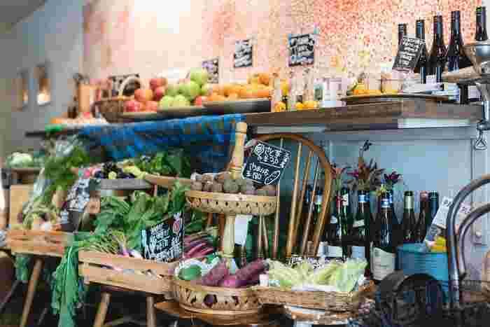 旬の様々なとれたて野菜が半蔵門に届きますよ!詳しくは麹町カフェのHPでご確認くださいね♪