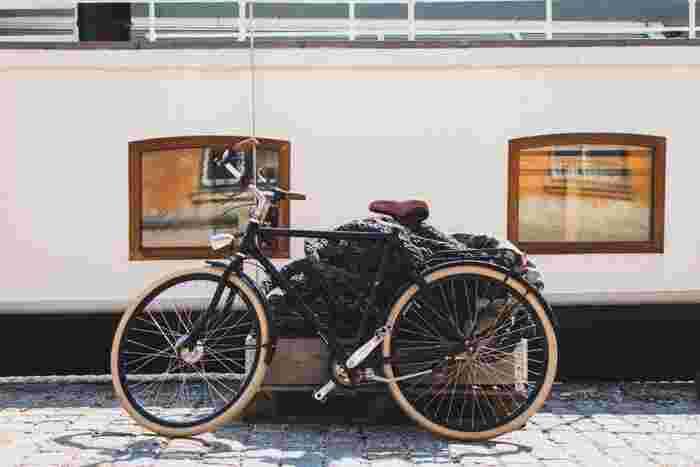 心地よい秋の風とおひさまに誘われて、週末は自転車で街を巡ってみませんか?エコでヘルシーな自転車散歩(ポタリング)なら、癒し空間の公園や気になる路地裏も余すことなく楽しめます♪