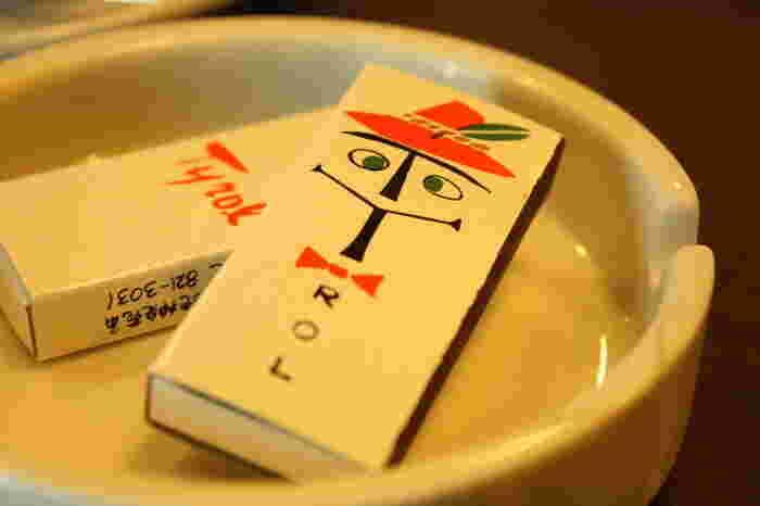 とても可愛い喫茶チロルのマッチ箱。このノスタルジー溢れるデザインが秀逸です。