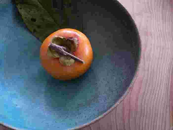 甘くて美味しい秋の味覚「柿」のアレンジレシピをご紹介しました。これまでそのまま食べていた人はもちろん、お料理に使っていた方もぜひ、いろんなレシピに挑戦してみてくださいね。早速、今日の食卓に1品いかがですか?