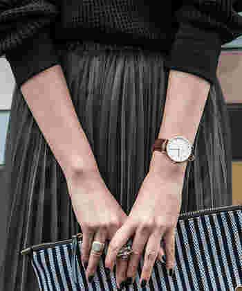 世界中で人気を集めるスウェーデン発のウォッチブランド。どこまでも薄く、不要な機能を一切排除した、洗練されたシンプルなデザインの腕時計は、高級感があり、バリエーションも豊富です。