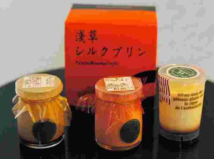 チョコやコーヒー、生キャラメルなど、定番の「浅草シルクプリン」から季節限定商品まで12種類のラインナップ。瓶に雷門が描かれた粋な手土産です。