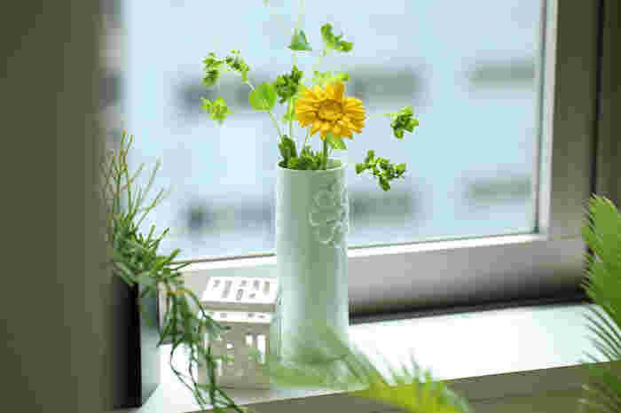 花びらがたくさんついたキュートなお花には、ピパネラフラワーという花瓶がぴったり。お花がリフレインされているようで思わず微笑んでしまいます。