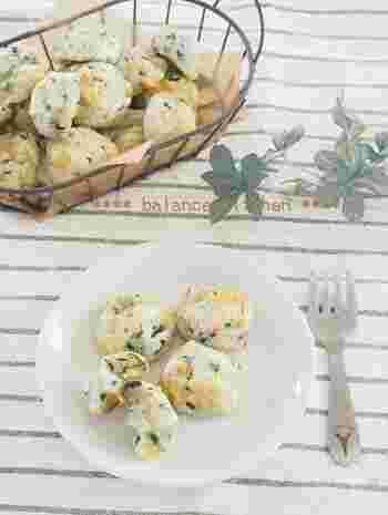 失敗知らずの白玉粉と豆腐で作るポンデケージョは、翌日も柔らかなままだから朝食やオヤツにもピッタリ♪ほうれん草とチーズも入り、栄養面をカバーしています。混ぜて丸めてオーブンで焼くだけなので、とても簡単!もちもちとした食感をお楽しみください。