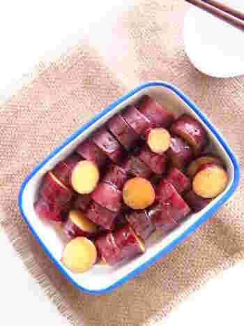 定番のさつまいもの甘露煮を炊飯器で簡単調理。お子さまも喜ぶ優しい味わいです。