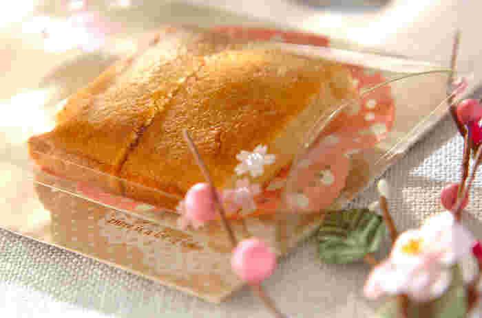豆乳ときび砂糖シロップを使って作る、ふんわりフィナンシェ。卵と乳製品を使わないので、アレルギーが気になるかたも安心。材料をパウンド型に入れて焼くだけの、簡単レシピです。