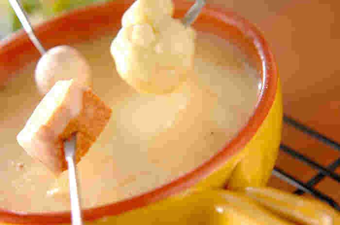 チーズフォンデュの具材としてもOK。 あつあつとろとろのチーズにフランスパンをつけて食べると心も身体もあたたまりそう♪