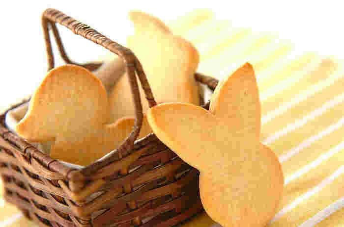 バターをたっぷり使った風味豊かなサブレ風クッキー。可愛らしく型抜きしたら、ホットケーキミックスとは思えない仕上がりに。