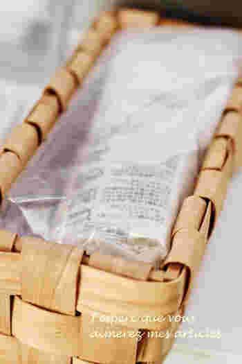 縦長のセリアの水杉バスケットは、そうめんやお蕎麦など麺類の収納に◎。「冷蔵庫をおしゃれな雰囲気にしたい」という方は、さっそく100均の可愛いかごを取り入れてみませんか?