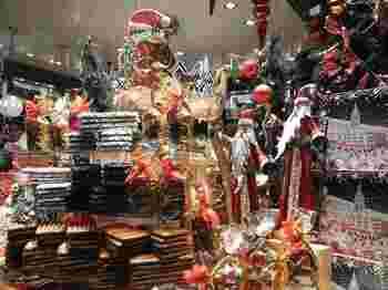そんなアーヘンのクリスマスマーケットを訪れるな忘れてはならないのがアーヘンの名物である「プリステン」というスパイシーなクッキー♪あちこちにプリステン人形があるメルヘンチックなアーヘンのクリスマスマーケットに来たら是非食べてみて下さい♪