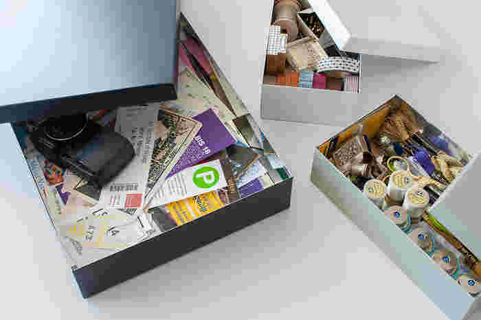 A4が入るLサイズは、旅の思い出のパンフレットやチケット、写真の整理などに。Mサイズはソーイングボックスとして。Sサイズはマスキングテープやスタンプなど細々したもの整理に便利です。