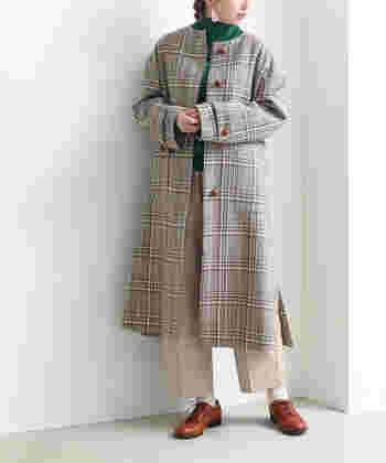 ウールの産地として知られる、愛知県一宮で作られたこだわりのアウターです。柔らかなカラーリングのチェック柄は、上品コーデやフェミニンスタイルにぴったり。スタイリッシュに見えるIラインシルエットで、大人女子がコーデに取り入れやすいチェック柄アウターです。