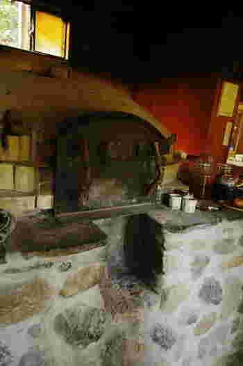 """オーナーご夫婦が、定年後の第2の人生を自作の石窯でパン屋を…とはじめた小さなパン屋さん。オープン以来、""""心のこもったパンが食べられるお店""""として、多くのメディアにも紹介されています。"""