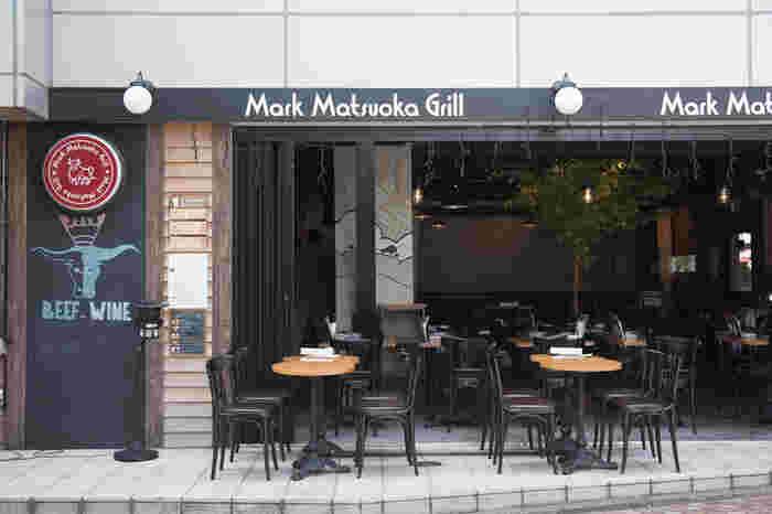中目黒駅から徒歩4分ほどの距離にあるこちらのお店。美味しいお肉をしっかりと食べられるランチが人気です。平日のランチにはスープ、ドリンクバー、ミニデザートがついてお得感もたっぷり。