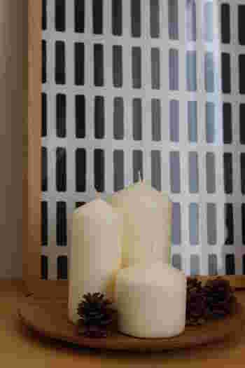 そして、同じトレイをこんな風に使うことも♪テーブルや棚にただ置くよりも、トレイの上にひとまとめにする方がぐっと素敵な雰囲気になります。
