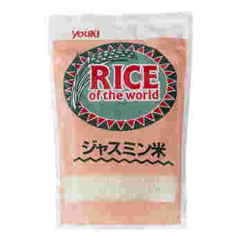 【ジャスミン米】 パラパラとした質感と香り高さ。やはり本格的なエスニック料理を味わいたいなら欠かせない「ジャスミン米」。お米が炊き上がったときの芳醇な香りに包まれれば、テンションが上がりますよ。