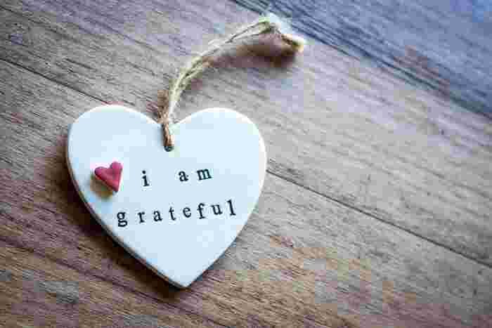 禅は、万物に感謝することの大切さを教えてくれます。今満ち足りていることを知り、感謝すること。 向上心は悪いことではありませんが、欲望にはキリがありません。キリがない欲望は次第に執着となり、逆に自分を苦しめていきます。今あるもの、ちょっと手を伸ばせば届くものに『ありがとう。満たされているよ』と思えた時に心に安らぎが訪れます。
