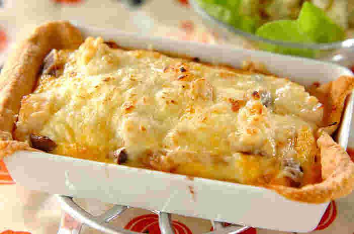焼きたてをそのままテーブルに出して、みんなでハフハフ食べるのがおいしい♪冷凍パイシートを使うので不器用さんでもトライしやすいですよ。