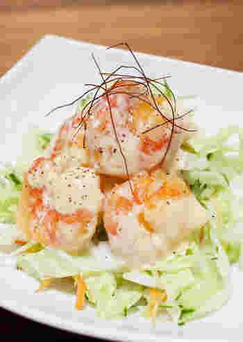 プリプリ海老とマヨネーズの相性は抜群!ピリッと効いた和からしとレモン汁が爽やかなアクセントに!あっさり食べられる、サラダ感覚の一品です。