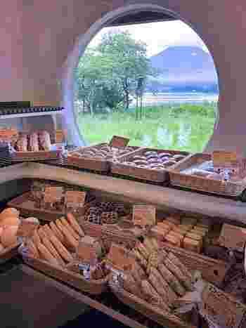 【山梨】日帰り観光&ドライブで立ち寄りたい「人気のパン屋さん」8選