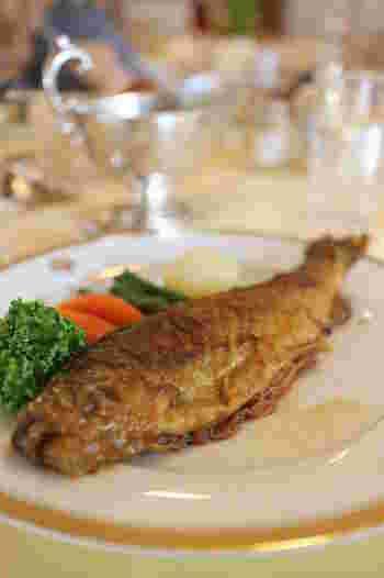 日光虹鱒のソテーも名物料理の一つです。ご当地の食材を生かした日光らしい一皿です。