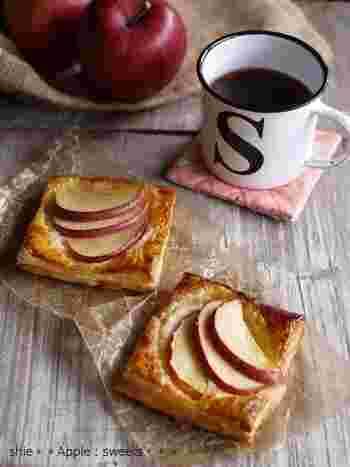もしも余っているりんごがあったらぜひ週末のおやつに作ってみてください♪りんごとフロマージュクリームは間違いなく絶品です。