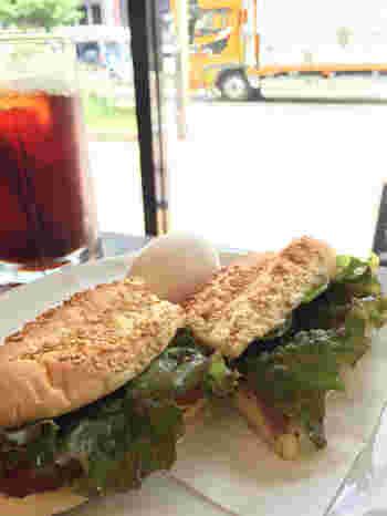 「加藤珈琲店」は、通販でも有名なコーヒー専門店。直火式の自家焙煎コーヒーが頂けます。モーニングはA・B・Cと名古屋セット4種類。