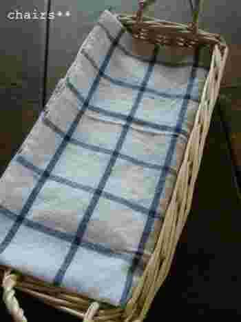 使わないときは布でフタにしておけば、埃なども入りません。布の柄や素材を変えても楽しめますね。