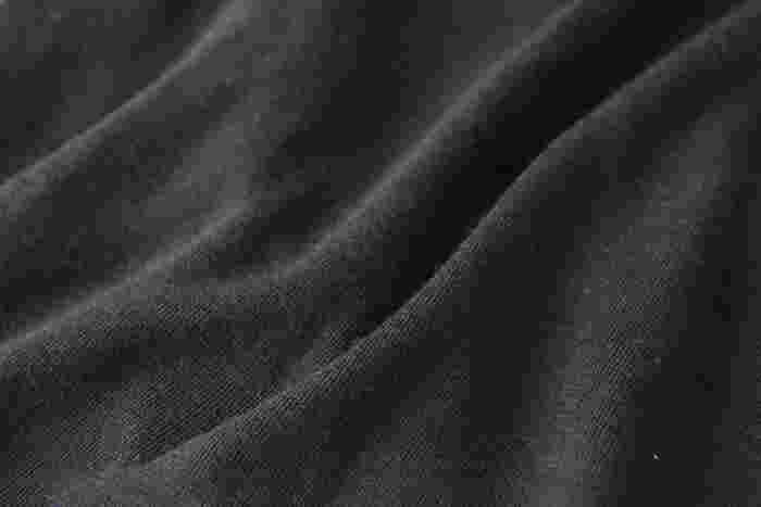 ウールですが、洗濯機で丸洗いできる気軽さも魅力。型崩れしにくいしっかりとした生地で、長く愛用できそうです。お世話になった方へのプレゼントにもいいかも。