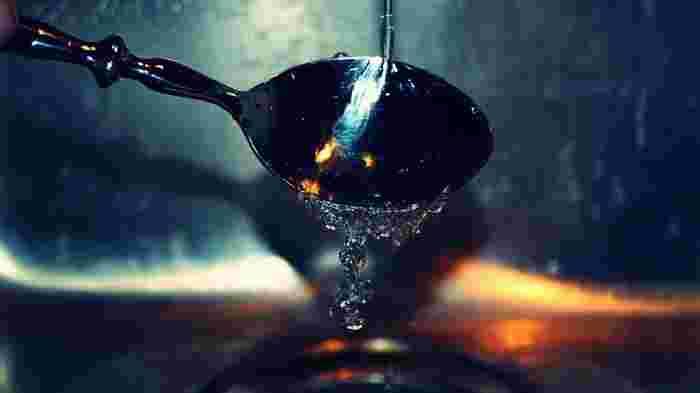吸油性と吸水性を生かして、ふきんだけで食器洗いをしたり、