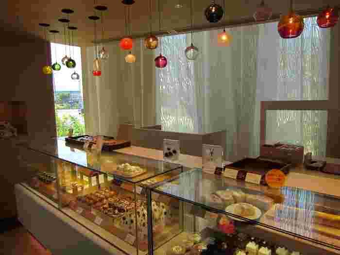 春華堂と言えば「うなぎパイ」を思い浮かべる人も多いですが、実は浜松で愛される和洋菓子の老舗でもあります。