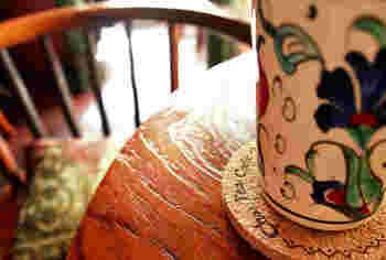 """提供される一つ一つのお皿の可愛さにも着目して欲しいチャイハネ""""ネネカフェ""""。可愛い雑貨達も一緒に探しながら足を運んでみては?"""