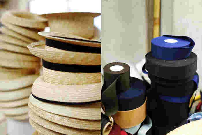 最後に、リボンなどの飾り付けをして完成。この工程もひとつひとつ手作業で行われています。工程自体はシンプルですが、こうしたひとつひとつの丁寧な積み重ねが、被り心地のいい帽子を作っているのです