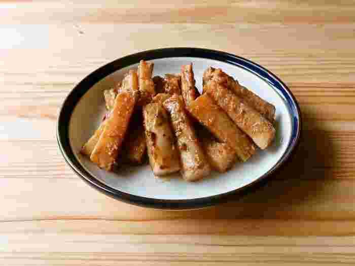 長芋を味噌マヨネーズで絡めたコクと食べごたえのある長芋レシピ。こっくりとした味付けは冷めても美味しく、常備菜にもお弁当にもピッタリです。