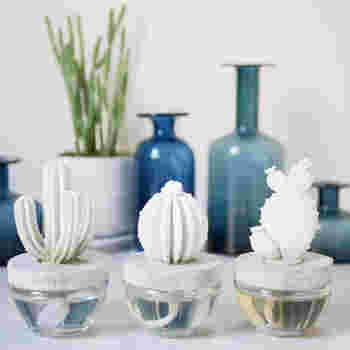ぽってりとした立体感がナチュラルな雰囲気。全部で3種類あるので、お好みのデザインをお部屋に飾ってみませんか?
