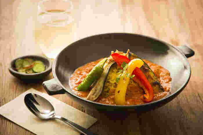 ランチはA・Bと2種類あり、カレーやグラタンなどもいただけます。素材の味が感じられるお料理は、体の中からキレイになれそうですね。