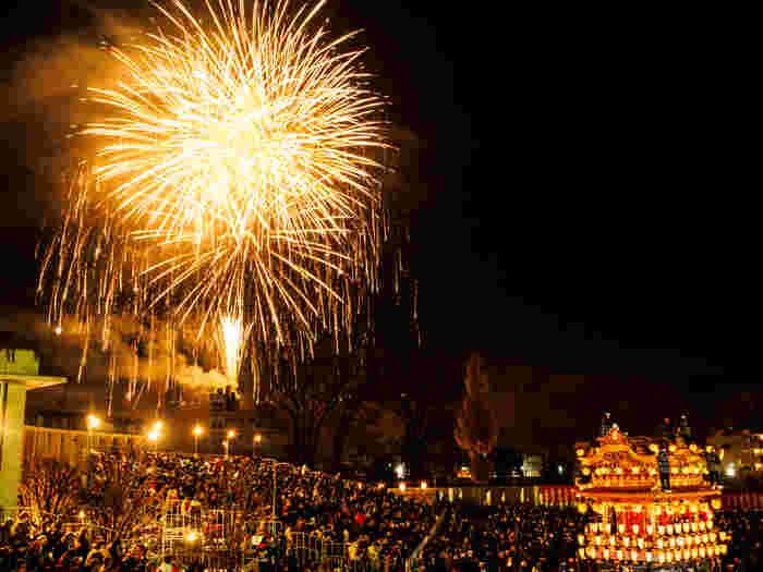 このツアーでは20時頃まで滞在し、最後まで祭りを見ることは出来ませんが、例年ですと花火も見られそうですよ。