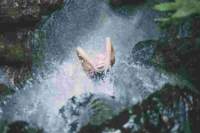 暑いと湯船に浸かりたくなくなって、シャワーで済ませる事が多くなりますよね。実は身体が冷えているのに毎日シャワーだけで済ませていると、身体をじっくり温める機会を逃してしまいます。