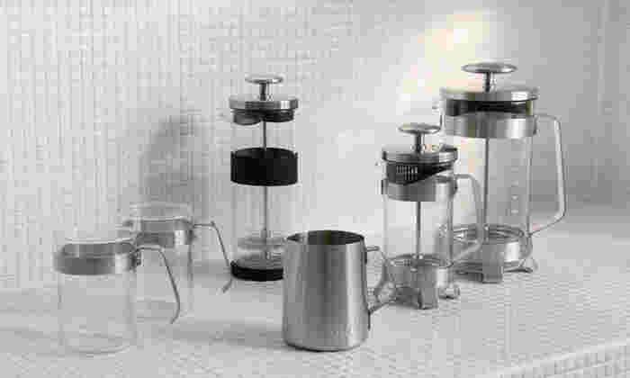 「エレクトリック・スチール」はクールで爽やかなシルバーテイストが特徴。空間や食器などの合わせるテイストを選びません。