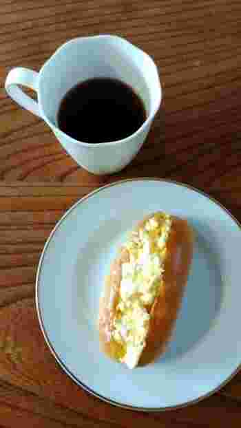 懐かしく素朴な味わいのコッペパン。中に挟む具材も色々工夫ができるので、気になるレシピを見つけたら、試してみてください。また、東京のコッペパン専門店で、プロならではのコッペパンサンドを味わうのも新たなコッペパンの魅力を発見できるかも。