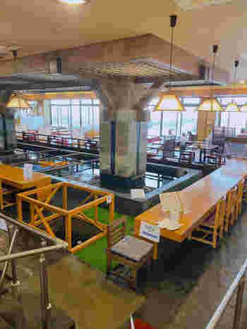 「一山 いけす」は、日本で初めて店内にいけすを作った活魚料理店。いけす内には伊勢エビや平目など銚子で獲れた地魚が泳いでいます。席の近くから眺められるので、お子さんもお料理を待つ間飽きずに過ごせそうですね。