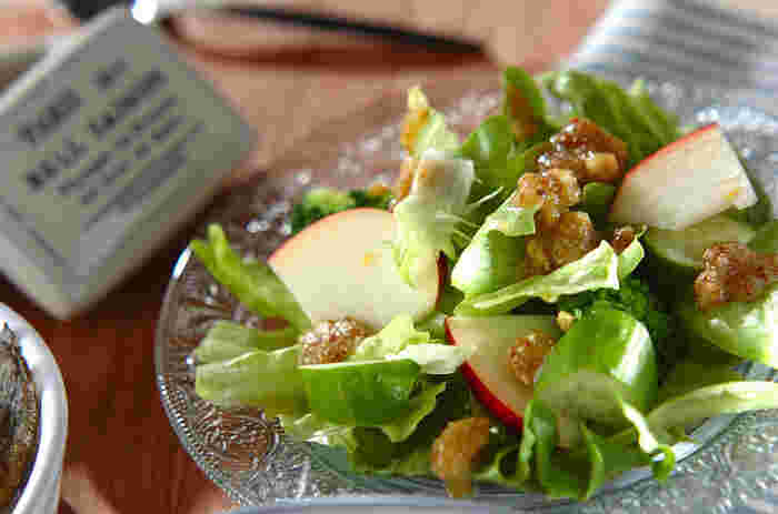 栄養価が高く、香ばしい食感と風味が特徴のナッツ。ドレッシングに浸かりっぱなしだとナッツの食感が失われがちですが、手作りならそんな心配は無用!ナッツの香ばしさを残しつつ、程よく味が馴染んだ美味しいドレッシングを作ることができます。