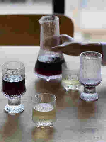 イッタラは、食器や花器、ガラスのオブジェなど人気の商品がたくさんあります。北欧雑貨がお好きな方ならイッタラの商品をお持ちの方も多いでしょう。次のイッタラをお考えの方におすすめなのが、ウルティマツーレのグラスとピッチャーです。